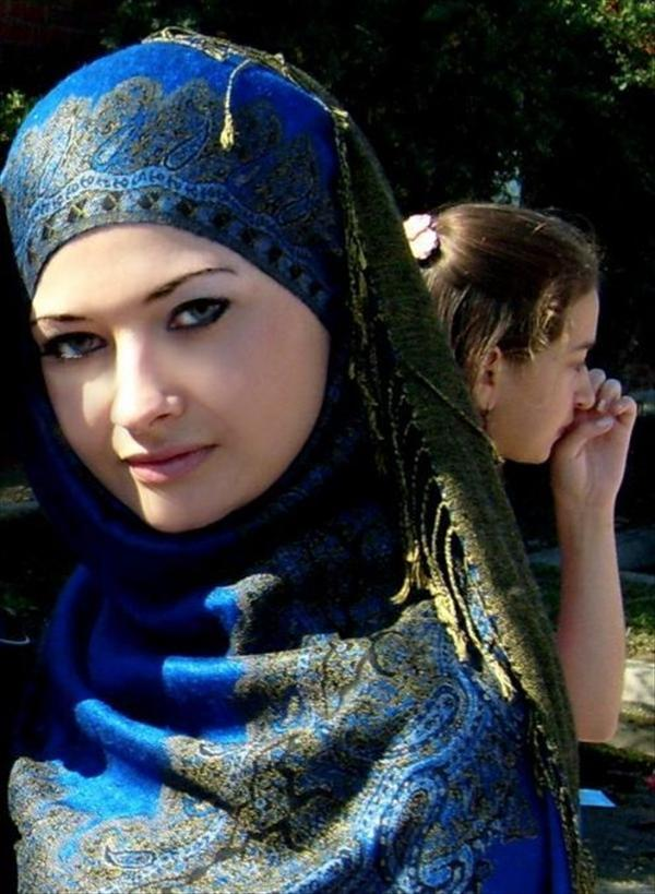 hijab trend for mature woman
